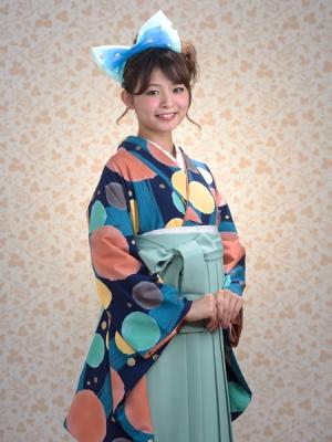 KIMONO ¥30,000(税抜)earht music&ecology HAKAMA ¥20,000(税抜)益若つばさ TOTAL ¥50,000(税抜)