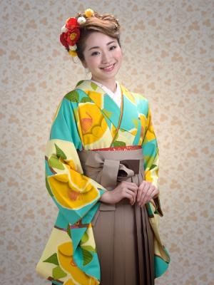 KIMONO ¥30,000(税抜)紅一点 HAKAMA ¥12,000(税抜) TOTAL ¥42,000(税抜)