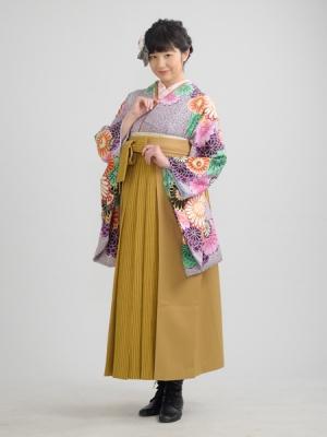 KIMONO ¥30,000(税抜)山本 彩 HAKAMA ¥20,000(税抜)平 祐奈 TOTAL ¥50,000(税抜)