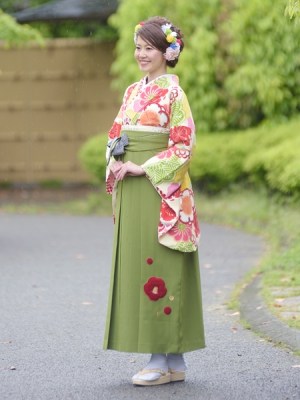 KIMONO ¥30,000(税抜)JAPAN STYLE HAKAMA ¥20,000(税抜)紅一点 TOTAL ¥50,000(税抜)