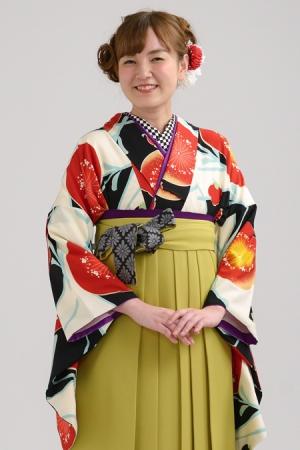 KIMONO ¥30,000(税抜)紅一点 HAKAMA ¥20,000(税抜)九重 TOTAL ¥50,000(税抜)