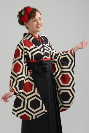 KIMONO ¥30,000(税抜)modan anntena HAKAMA ¥8,000(税抜) TOTAL ¥38,000(税抜)