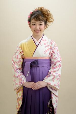 KIMONO ¥24,000(税抜)IKEDAYAオリジナル HAKAMA ¥20,000(税抜)SUZANU TOTAL ¥44,000(税抜)